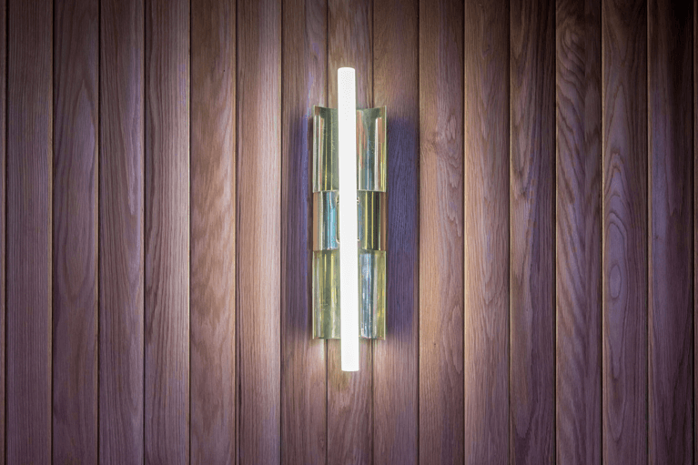 El Mama Restaurante lampara pared| Pablo Peyra Studio